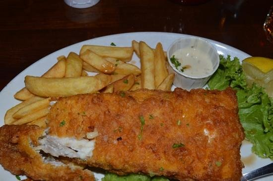 Billy's Baked Potato Steak & Grillhouse: fish and chips.  not greasy.  great tartar sauce