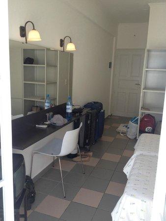 Kamari Beach Hotel: Zimmer