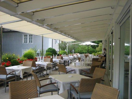 Hotel Meranerhof: A corner of the hotel garden