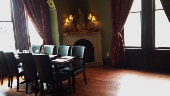Puddicombe House : Inside dining room