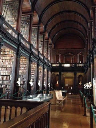 Trinity College Campus: trinity college library