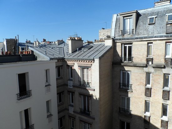 Hotel Carladez Cambronne: View