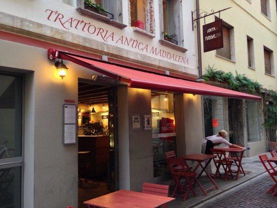 Antica Maddalena: Devant du restaurant