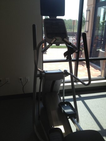 Hilton Garden Inn Exton / West Chester: Elliptical machine. You can watch tv on it while you work out