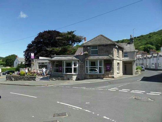 Mountain View Pub & Restaurant: Outside