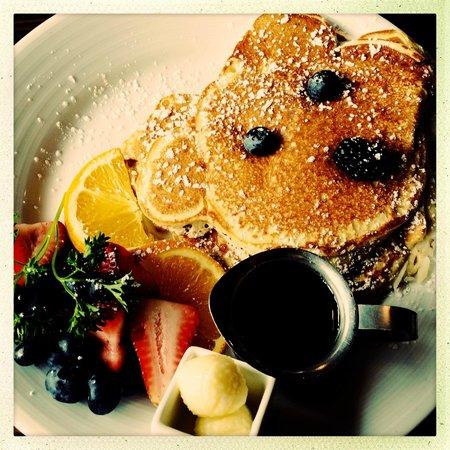 JUNO: Pancake with Blueberries