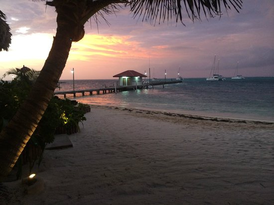 Ramon's Village Resort: Sunrise view from the room:)