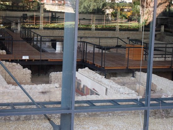 Vesunna Gallo-Roman Museum: Vista desde el exterior