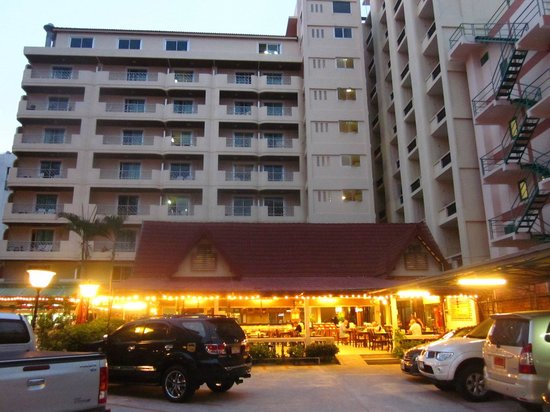 Lek hotel pattaya thailand reviews photos tripadvisor for Lek hotel pattaya