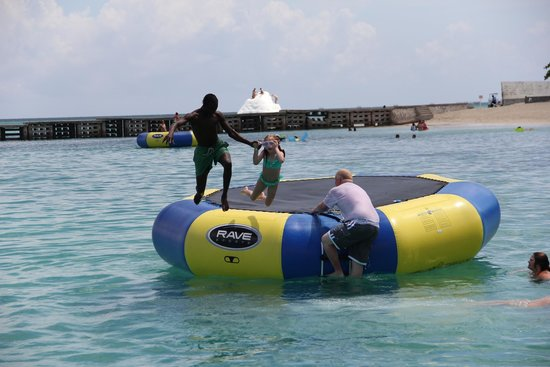 Jamaica Water Sports: Doctor's Cave Beach