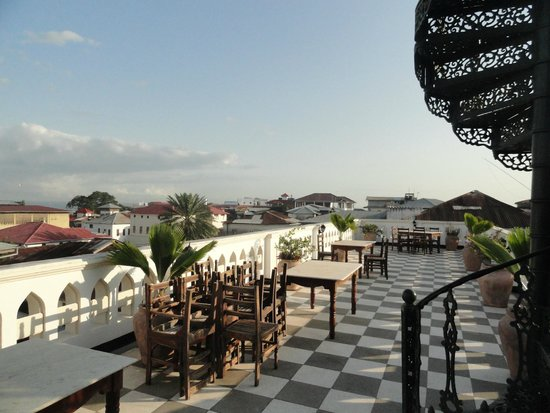 Dhow Palace Hotel: roof view