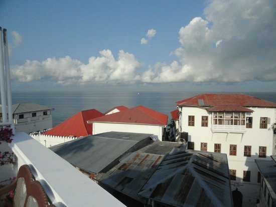Dhow Palace Hotel : Roof top view