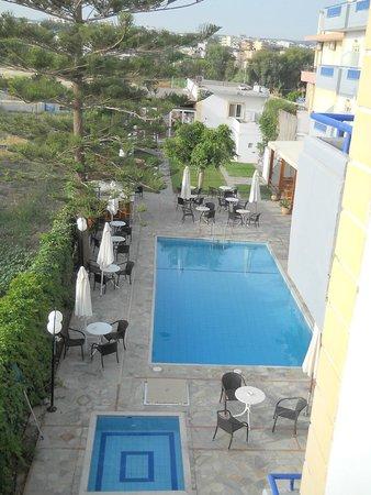 MariRena Hotel: Вид с балкона
