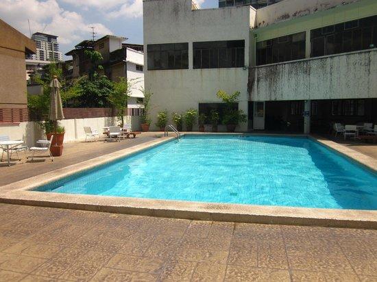 Rex Hotel : Pool mitten in Bangkok