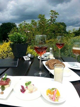 Landgoed Hotel De Wilmersberg : Heerlijk genieten op terras