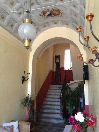 Hotel Mare e Monti : Entrée de l'Hôtel