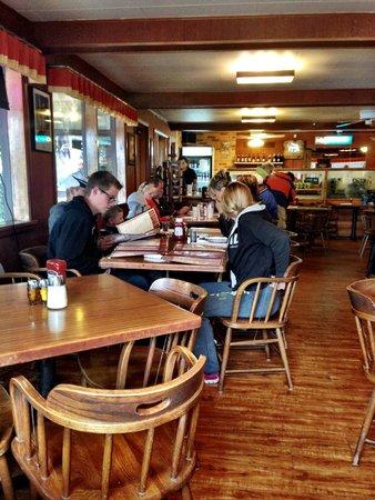 Eddie's Cafe & Gifts: Eddie's—interior