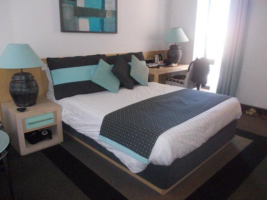 Hotel Juliani: Sehr bequemes Doppelbett