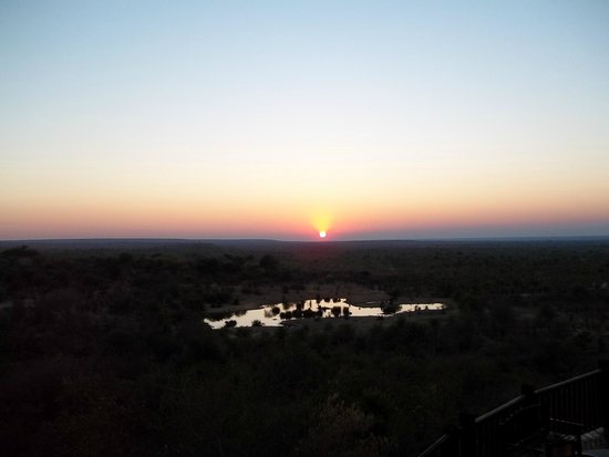 Victoria Falls Safari Lodge: Sunset from bar area/restaurant