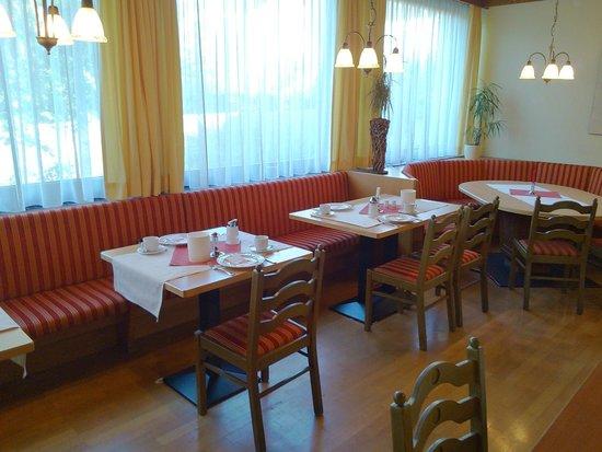Gasthof Hotel Löwen: Breakfast room