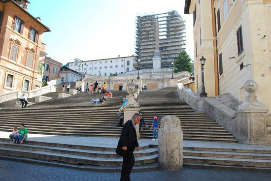 Spanische Treppe (Piazza di Spagna): Early Morning at the Spanish Steps