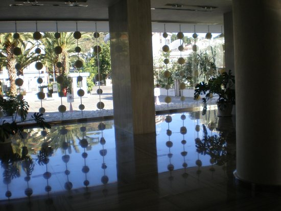 Sunrise Hotel : reception