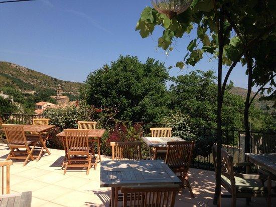 Hotel Mare e Monti : Terrasse de la piscine