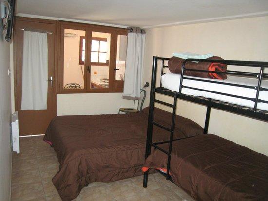 Hotel La Réserve : N°13-14-15 studio famillial 2 adultes + 2 enfants