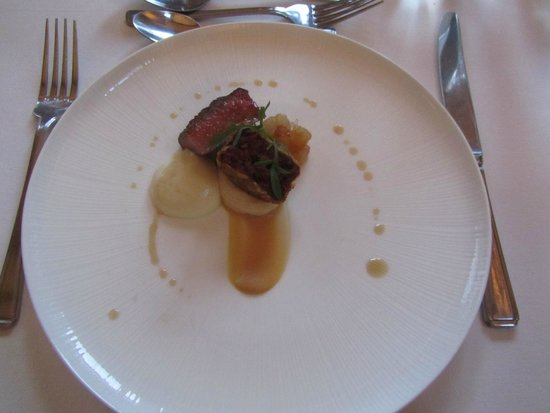 The Raven Hotel & Restaurant: Beef course