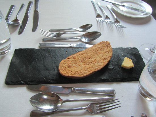 The Raven Hotel & Restaurant: Bread