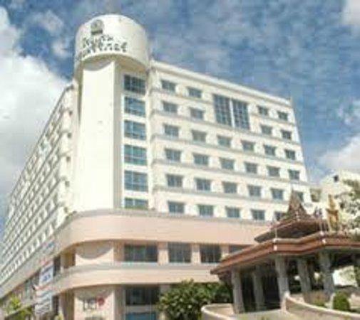 Krungsri River Hotel : Außenansicht
