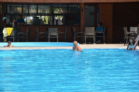 Vallian Village Hotel: piscine