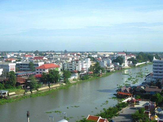 Krungsri River Hotel : Blick auf den Fluss