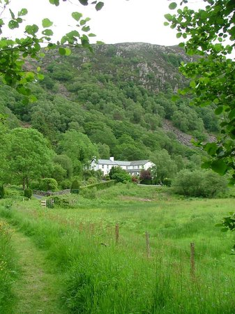 Bryn Eglwys Country House Hotel: The hotel from the river path