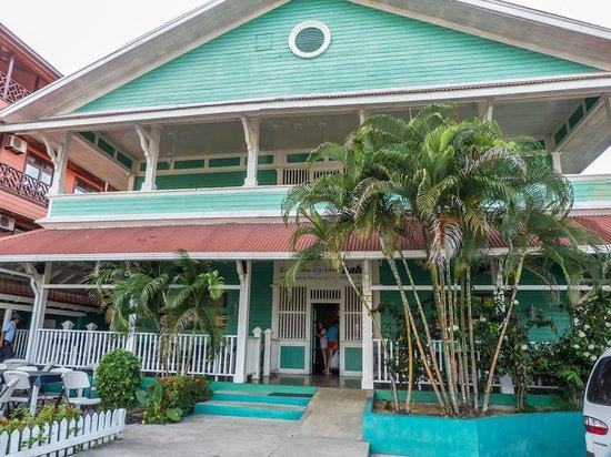 Gran Hotel Bahia: vista desde el frente