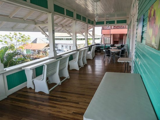 Gran Hotel Bahia: comedor y balcón
