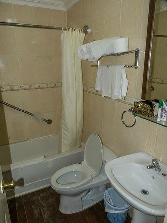Gran Hotel Bahia : baño