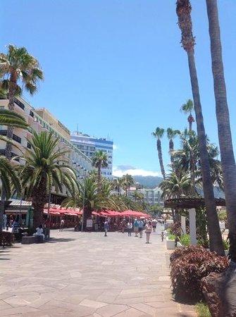 H10 Tenerife Playa : promenade