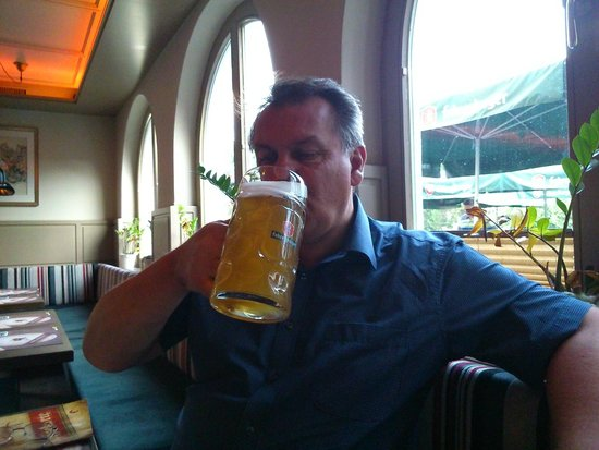 Fohren Center: Yes, that's a litre of beer!