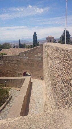 Castillo de Gibralfaro : Outside walls
