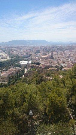 Castillo de Gibralfaro : View over malaga