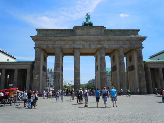 UlkoTours : Brandenburg Gate, Berlin