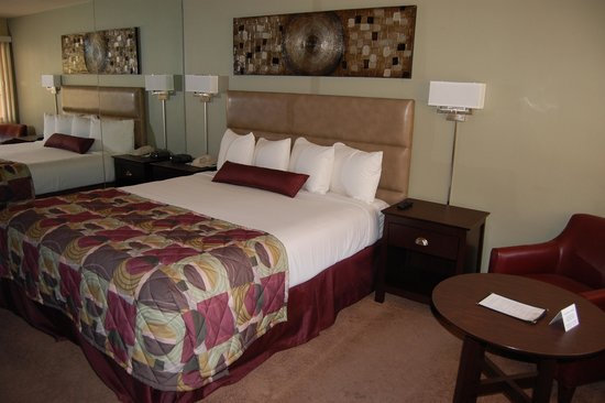 Desert Sun Resort: Chaparral Hotel Rooms