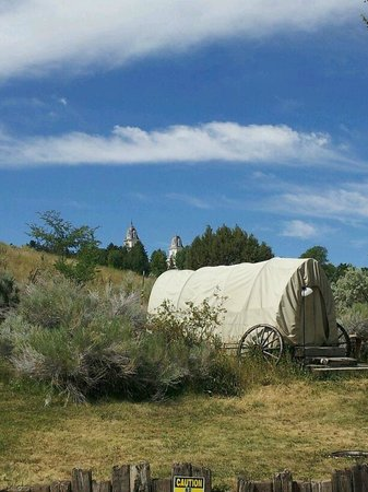 Temple Hill Resort RV & Campground: View from RV park to Manti Temple
