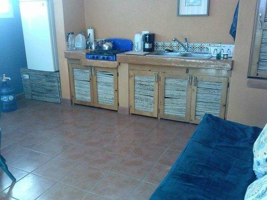 Los Colibris Casitas: Mr. Bing's kitchen (futon in foreground)