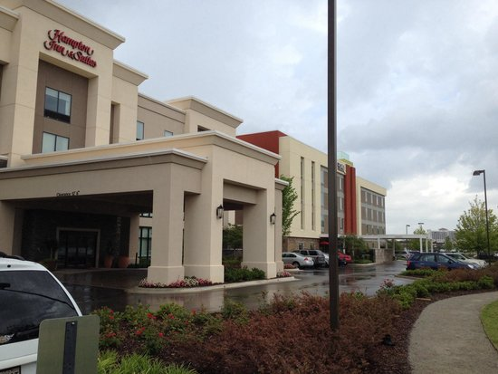 Home2 Suites by Hilton Huntsville / Research Park Area : Hampton Inn & Suites is literally attached to the Home 2 Suites