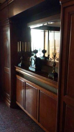 Hotel Wentzl: Vintage decor in the reception