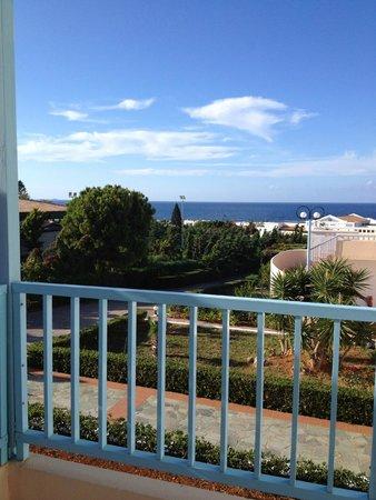 Golden Dream Apartments: Чудесный вид открывается с балкона