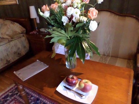 Hotel Wentzl : Fresh fruit was left in the room everyday