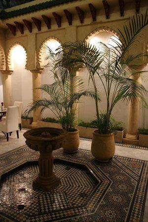 Hotel la Tour Hassan: Intérieur